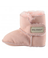 Pink leather baby shoes