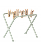Drying rack with clamps