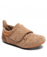 Camel wool slippers